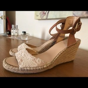 Vince Camuto wedges size 9